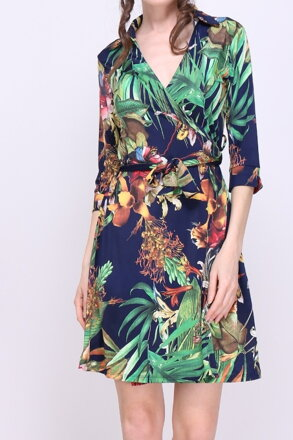 b2446c728ea3 Tmavomodré šaty so vzorom