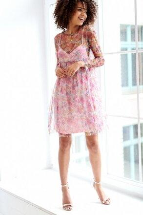 dfe51753afc5 Kvetinkové púdrové šaty WHITE FLOWERS