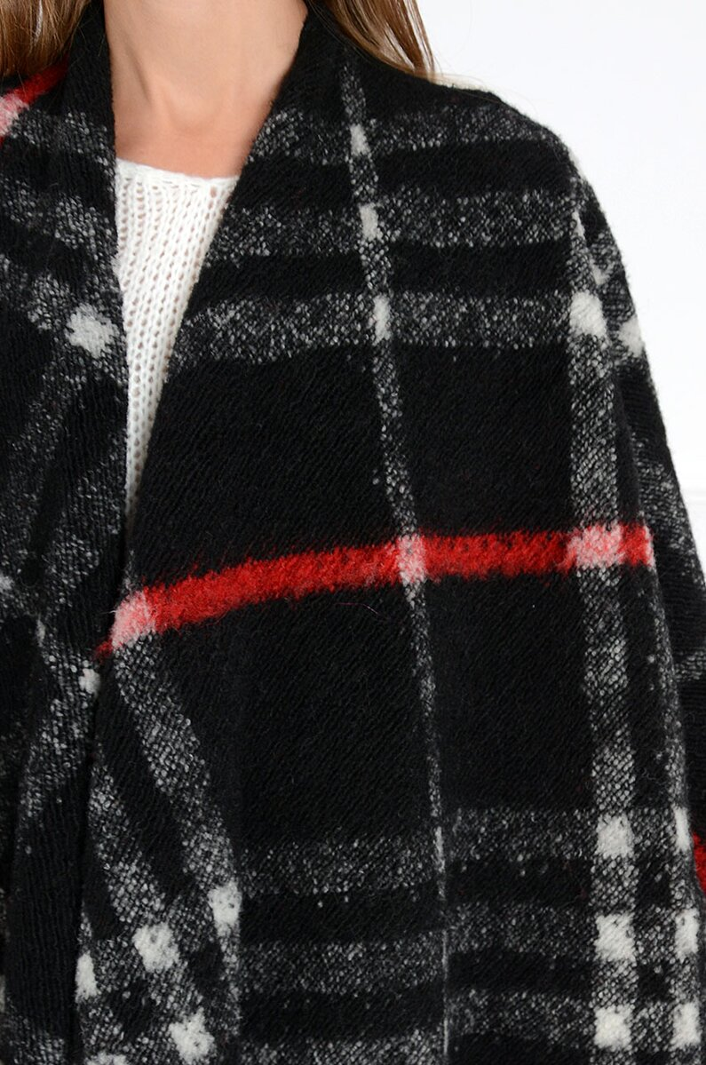 437c03e8652d Previous. Dámske čierne pončo s červeným detailom CO-33209