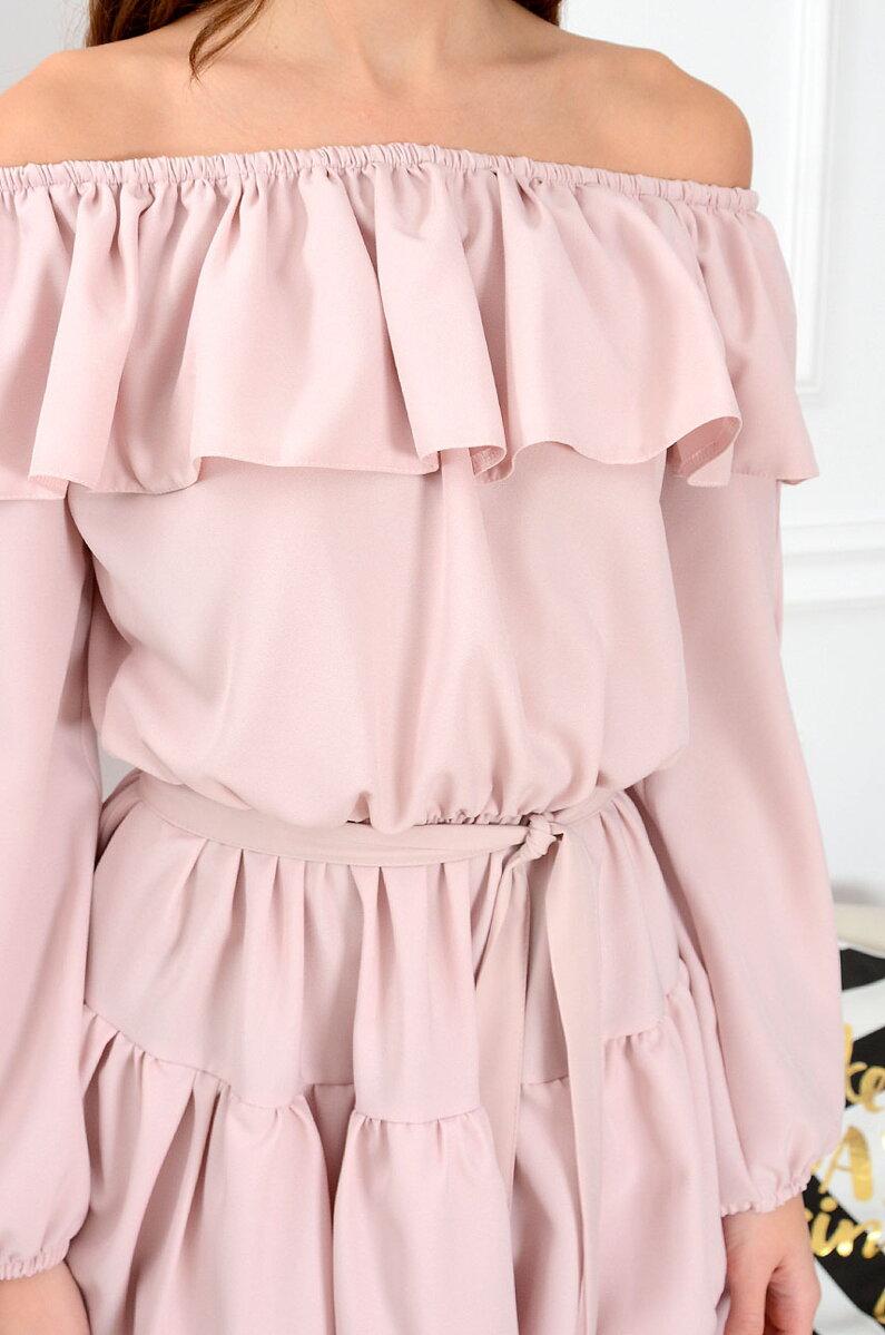 9d8163c845fe Dámske volánové šaty Margo s odhalenými ramenami CO-35909 púdrová