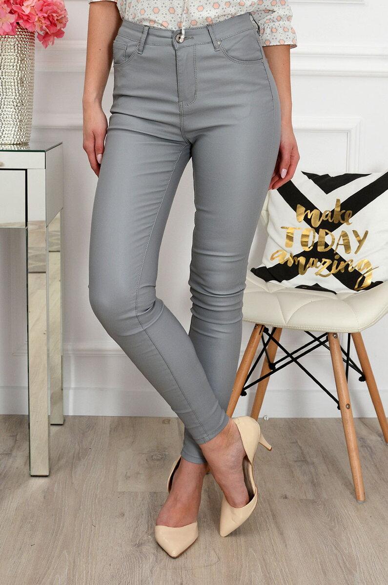 520b42b836de Dámske koženkové nohavice sivej farby