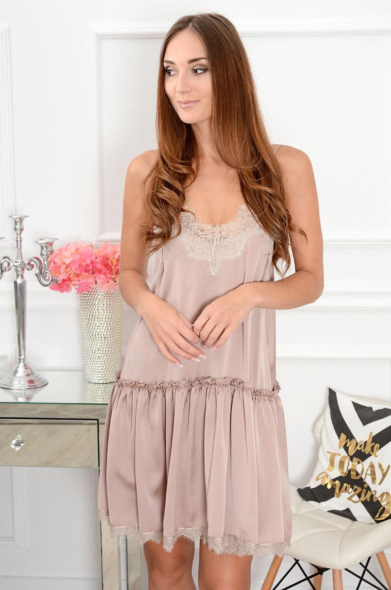 b8c48fe79467 Saténové krajkované šaty Alisha CO-38895 béžové