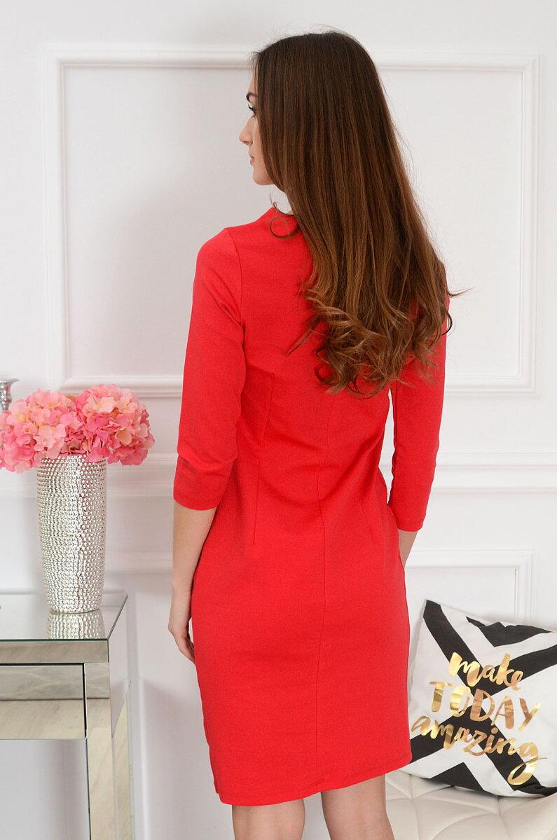 Červené šaty s krajkovým detailom f7d5db8f5e1