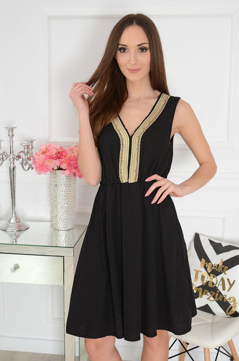 9759661950e6 Čierne šaty so zlatým detailom Brise