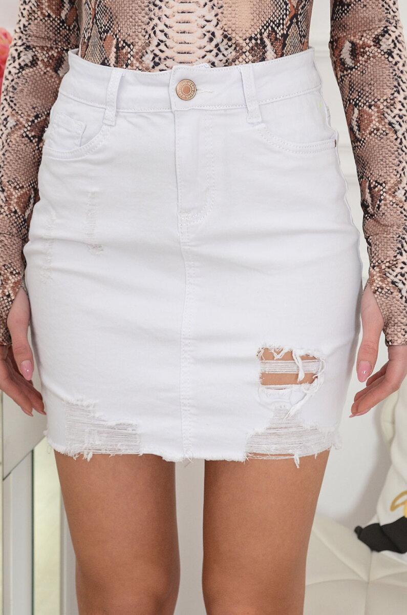 9b299fae09ba Riflová sukňa v bielej farbe