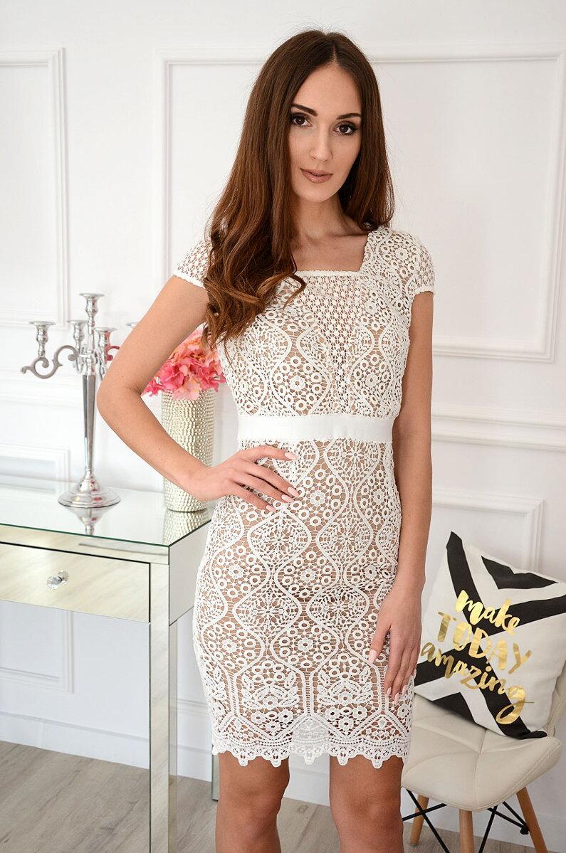 75b17471763d Luxusné krajkované šaty Astrid. Next