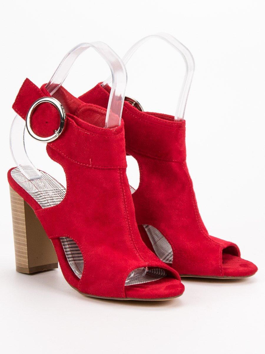 d30d289a58 Červené semišové sandále na podpätku