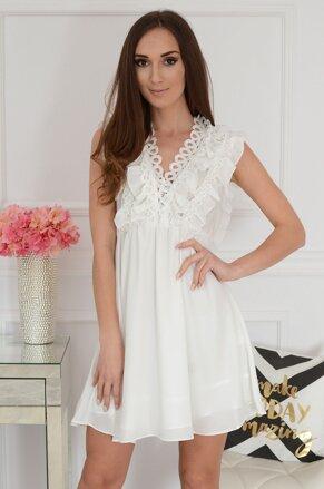 2388eff15422 Smotanovo-biele šaty s volánom Melodi